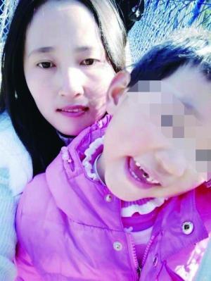 7岁小女孩捐骨髓救母亲:有点疼,但我忍住了图片